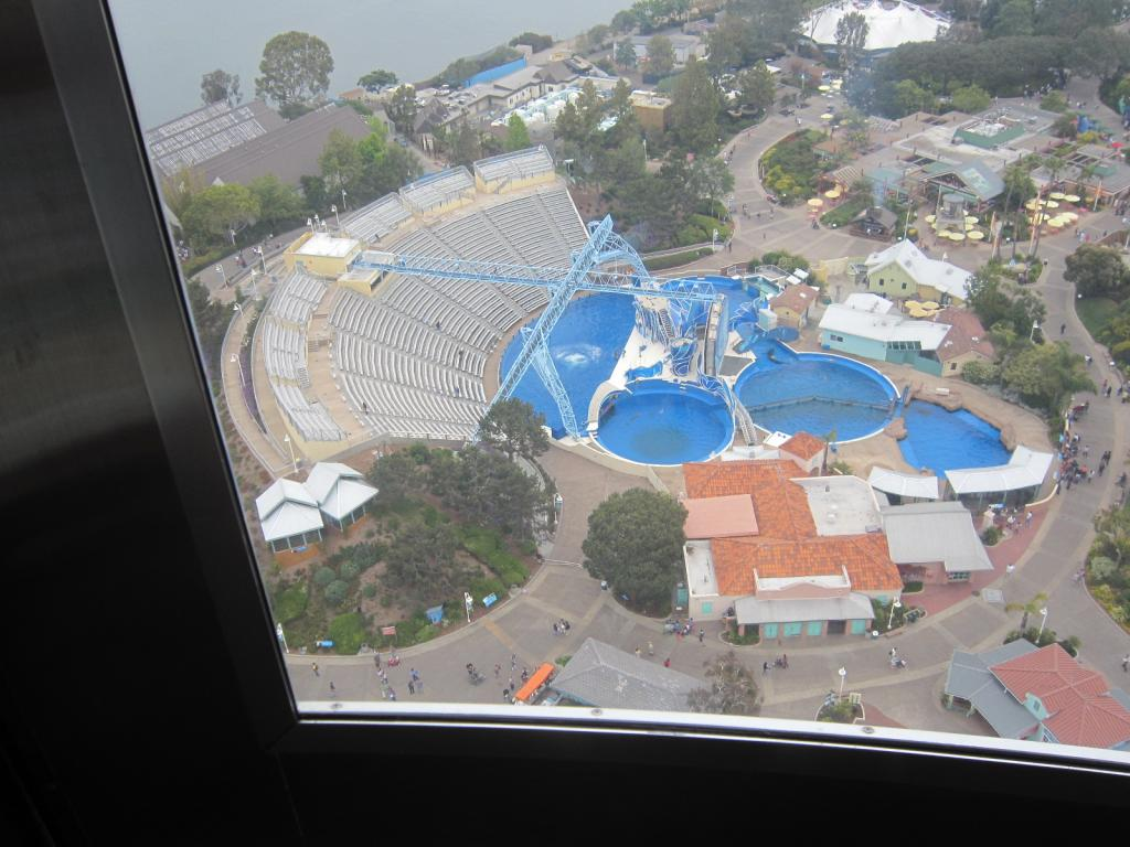 Click image for larger version  Name:4. Sea World's Tower.looking at Old shamu sadium, dolphin show, now Blue Horizon.jpg Views:1 Size:108.4 KB ID:10672