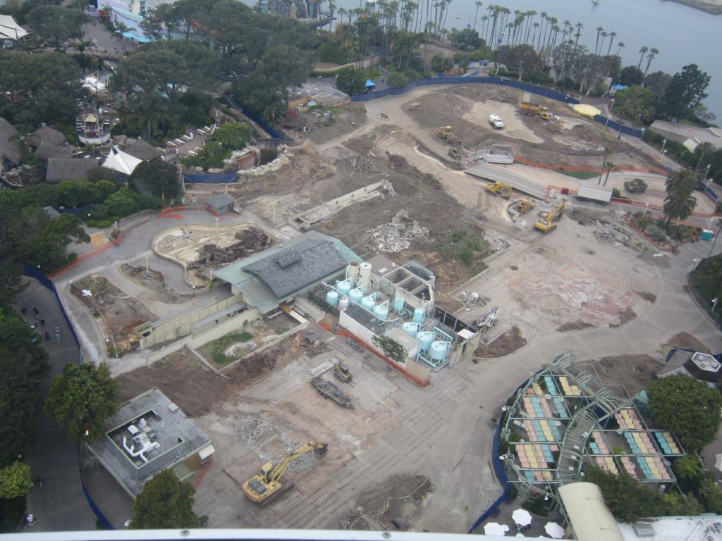 Click image for larger version  Name:3. Sea World's Tower. Looking at the Demolation of the Japanese village and among other building.jpg Views:1 Size:128.4 KB ID:10675