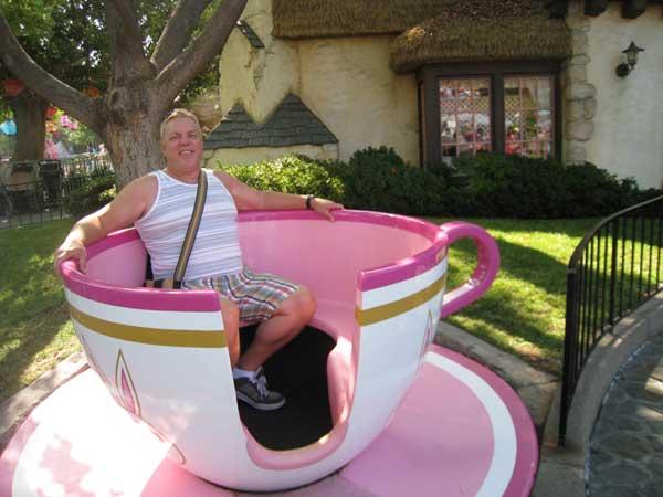 Click image for larger version  Name:ken-in-teacup.jpg Views:1 Size:36.4 KB ID:22752