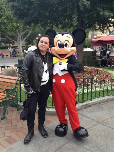 Click image for larger version  Name:Disneyland 032 (Medium).jpg Views:1 Size:68.2 KB ID:27865