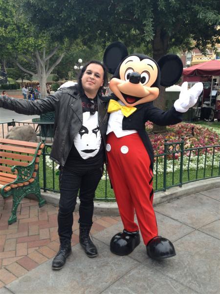 Click image for larger version  Name:Disneyland 033 (Medium).jpg Views:1 Size:66.7 KB ID:27866