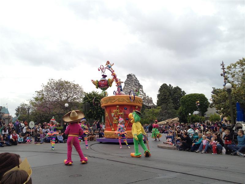 Click image for larger version  Name:Disneyland 059 (Medium).jpg Views:1 Size:76.1 KB ID:27876