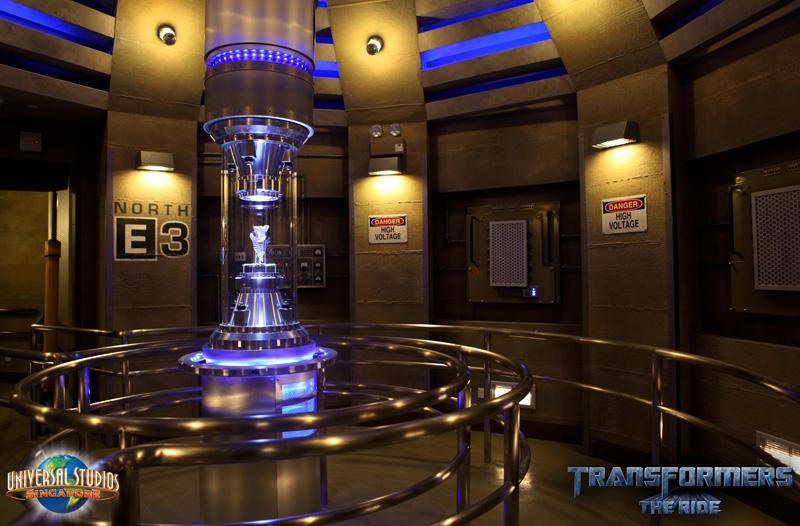 Click image for larger version  Name:TFTR_Preshow-AllSpark_Vault800w.jpg Views:1 Size:196.3 KB ID:13127