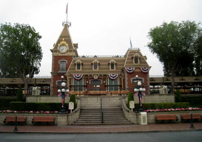 Click image for larger version  Name:train-depot.jpg Views:1 Size:37.1 KB ID:19198