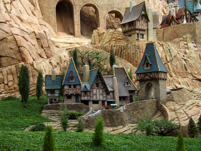 Click image for larger version  Name:disney-11-12-040.jpg Views:1 Size:76.5 KB ID:23651