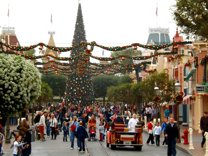 Click image for larger version  Name:disney-11-12-015.jpg Views:1 Size:209.6 KB ID:23653