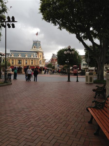 Click image for larger version  Name:Disneyland 003 (Medium).jpg Views:1 Size:55.4 KB ID:27841