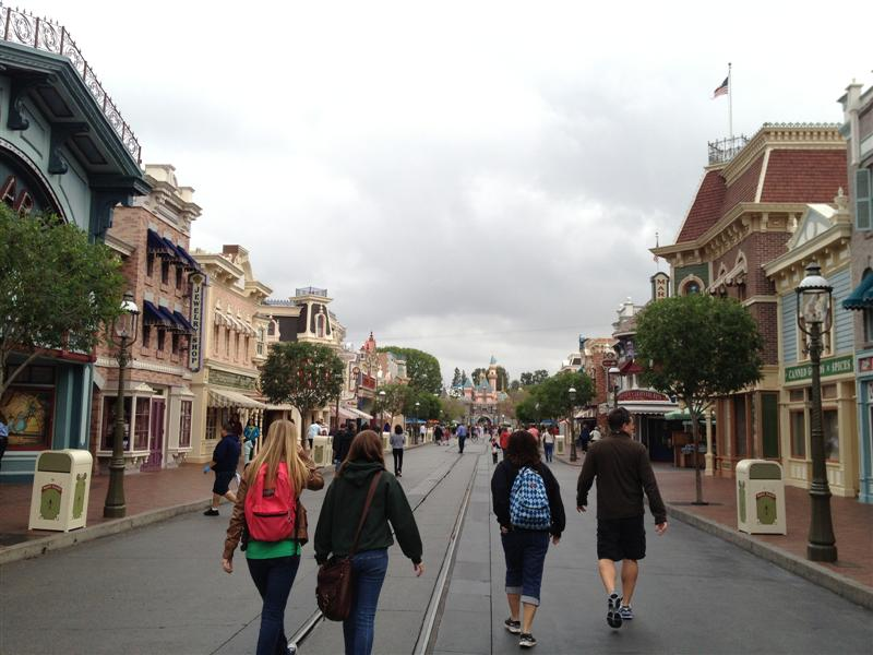 Click image for larger version  Name:Disneyland 005 (Medium).jpg Views:1 Size:79.7 KB ID:27843