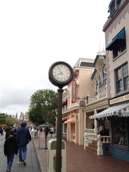 Click image for larger version  Name:Disneyland 007 (Medium).jpg Views:1 Size:47.8 KB ID:27844