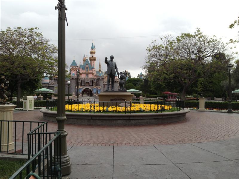 Click image for larger version  Name:Disneyland 008 (Medium).jpg Views:1 Size:88.8 KB ID:27845