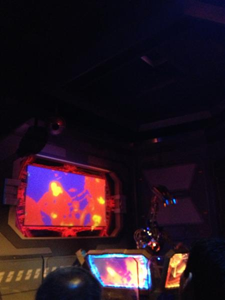 Click image for larger version  Name:Disneyland 010 (Medium).jpg Views:1 Size:27.9 KB ID:27847