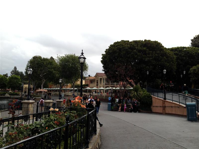 Click image for larger version  Name:Disneyland 014 (Medium).jpg Views:1 Size:73.3 KB ID:27851
