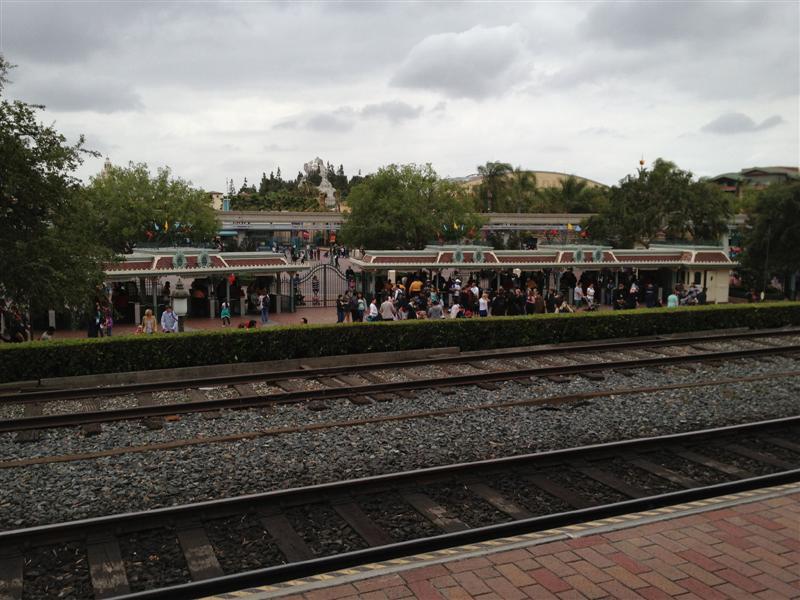 Click image for larger version  Name:Disneyland 019 (Medium).jpg Views:1 Size:91.3 KB ID:27856